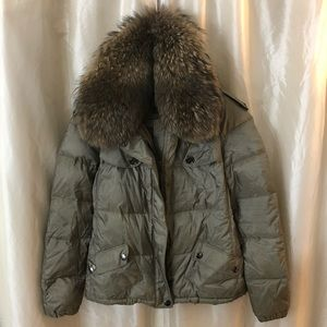 BURBERRY puffer jacket with fur collar